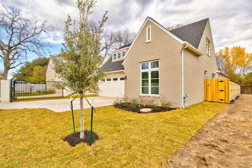 Active | 5624 Oaks  Lane Westworth Village, TX 76114 2