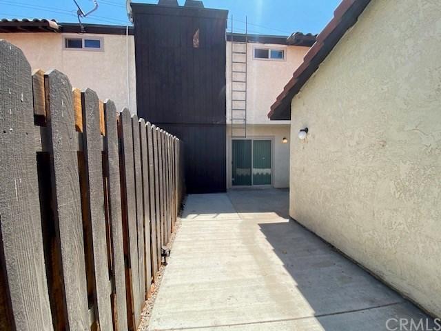 Closed | 1077 Santo Antonio  Drive #70 Colton, CA 92324 26