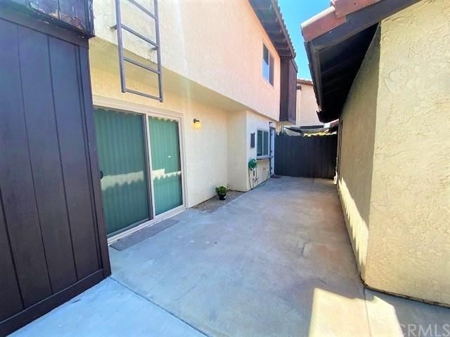Closed | 1077 Santo Antonio  Drive #70 Colton, CA 92324 27