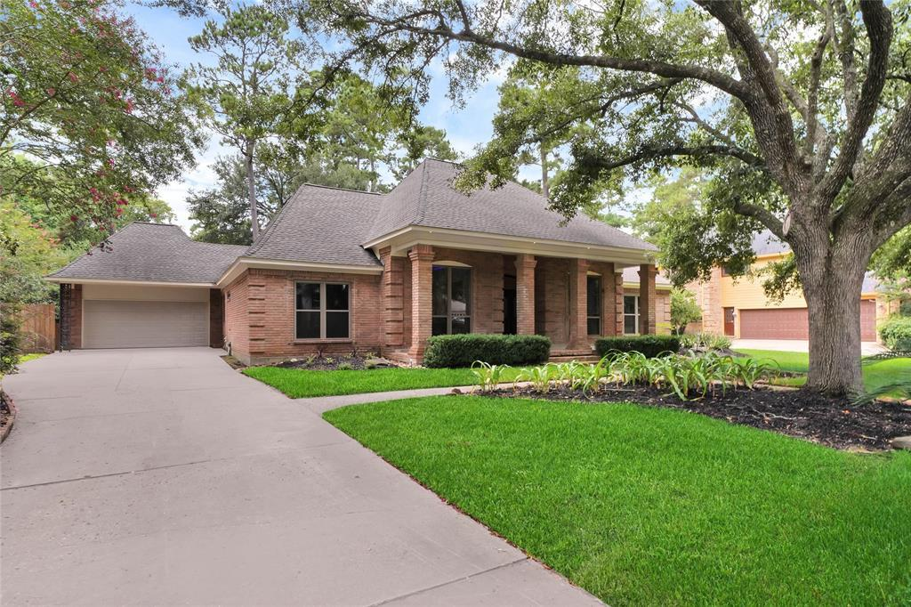 Active | 2207 Pleasant Creek Drive Kingwood, Texas 77345 1