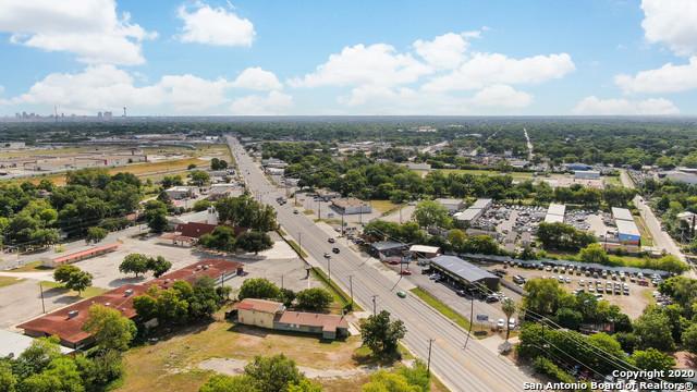 Active Option | 582 NEW LAREDO HWY San Antonio, TX 78211 0