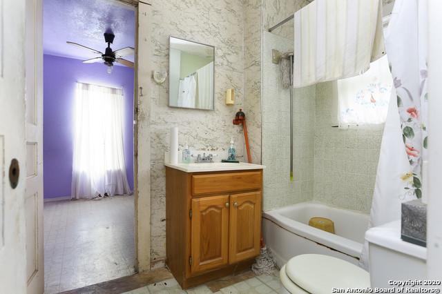Active Option | 582 NEW LAREDO HWY San Antonio, TX 78211 11