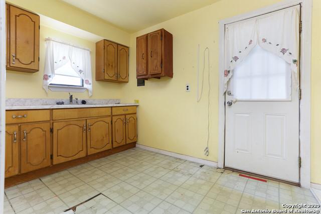 Active Option | 582 NEW LAREDO HWY San Antonio, TX 78211 20