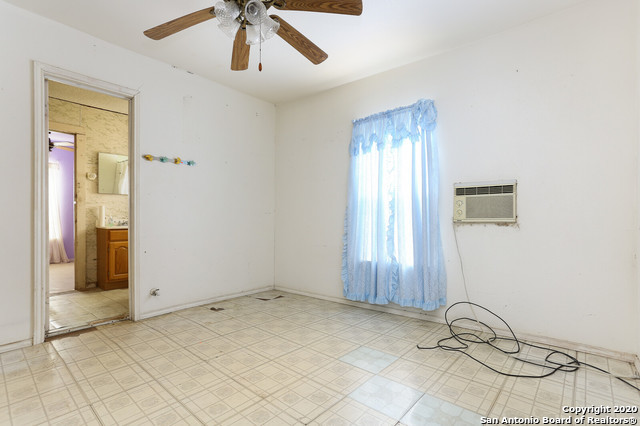 Active Option | 582 NEW LAREDO HWY San Antonio, TX 78211 9