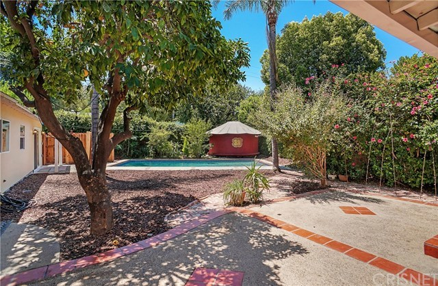 Closed   21036 Costanso Street Woodland Hills, CA 91364 10