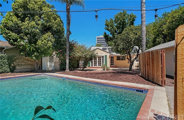 Closed   21036 Costanso Street Woodland Hills, CA 91364 17