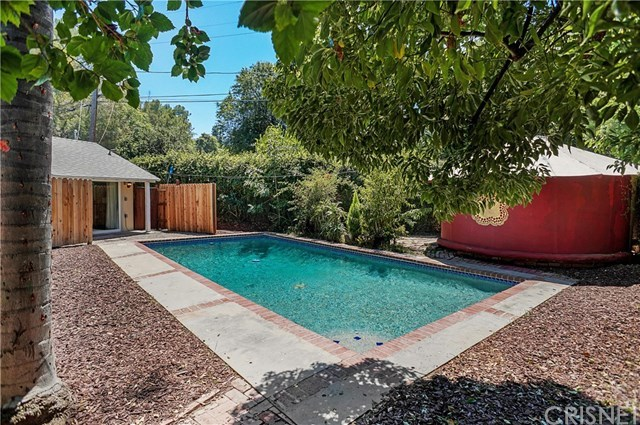 Closed   21036 Costanso Street Woodland Hills, CA 91364 18