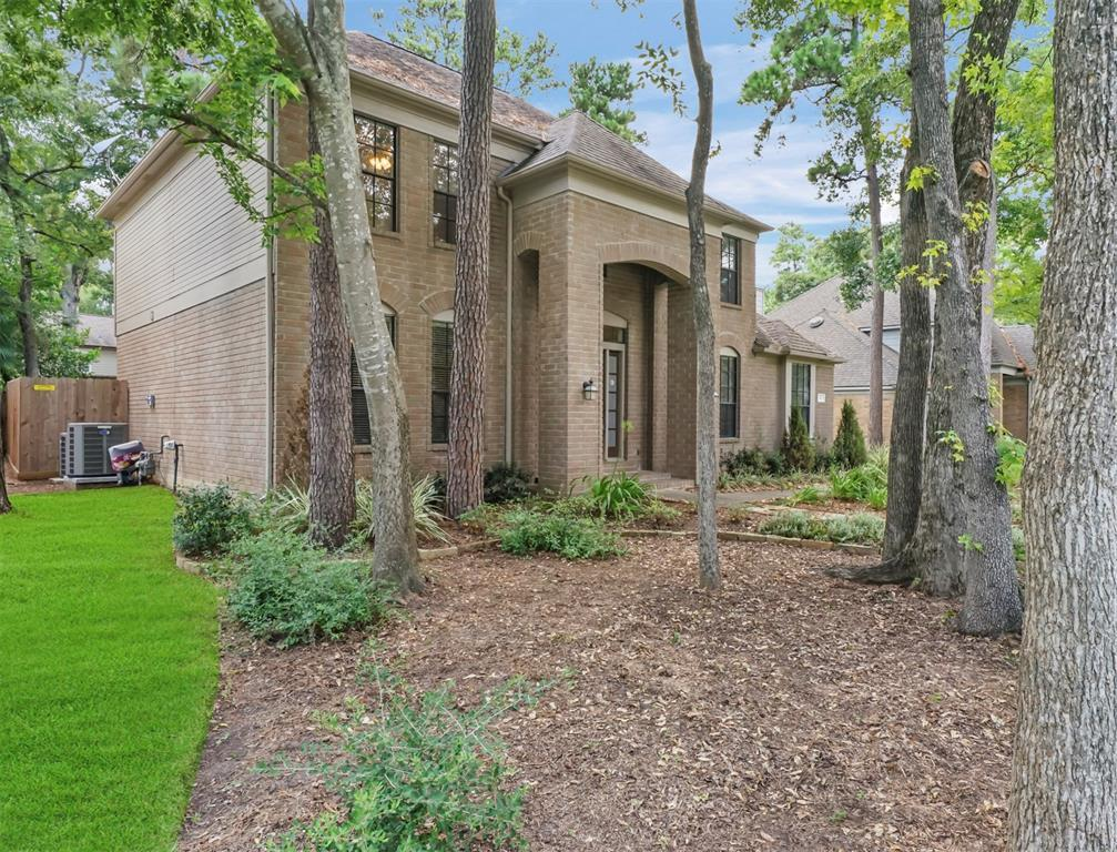 Pending | 6 Windledge  Place Spring, TX 77381 2
