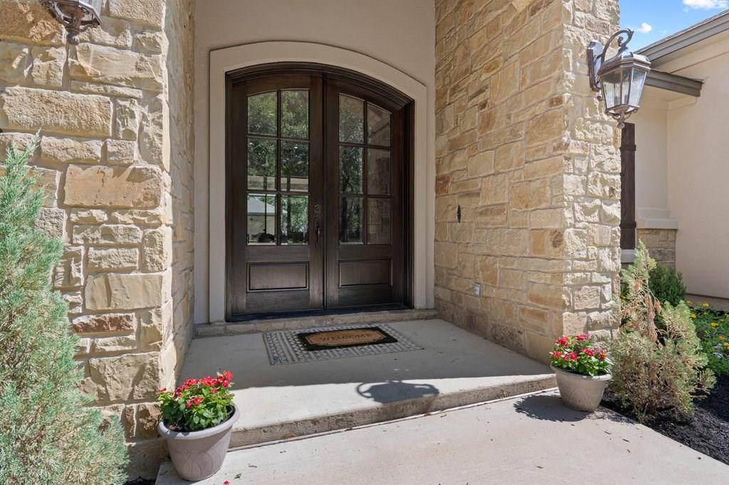 Luxury Home in Georgetown, Acreage Luxury Home in Georgetown   3115 Cavu  Road Georgetown, TX 78628 4