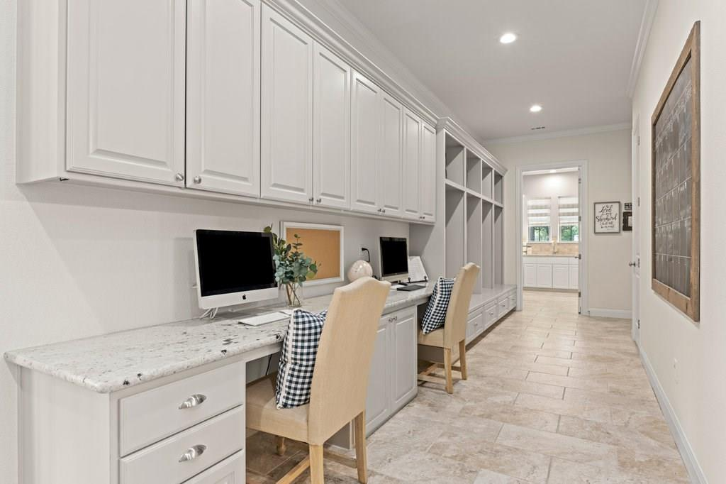 Luxury Home in Georgetown, Acreage Luxury Home in Georgetown   3115 Cavu  Road Georgetown, TX 78628 31