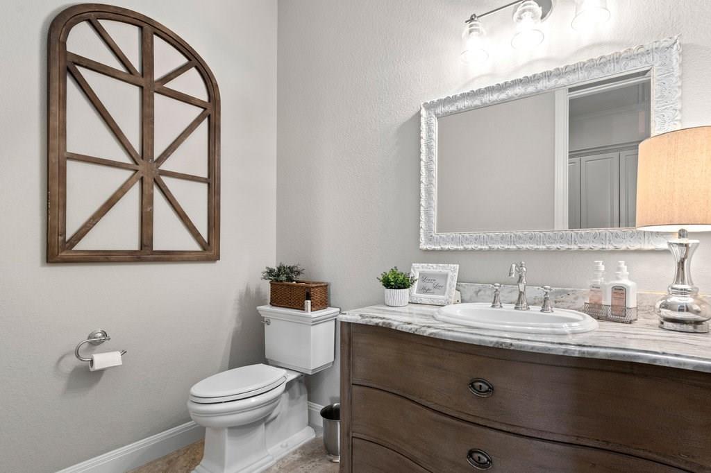 Luxury Home in Georgetown, Acreage Luxury Home in Georgetown   3115 Cavu  Road Georgetown, TX 78628 33