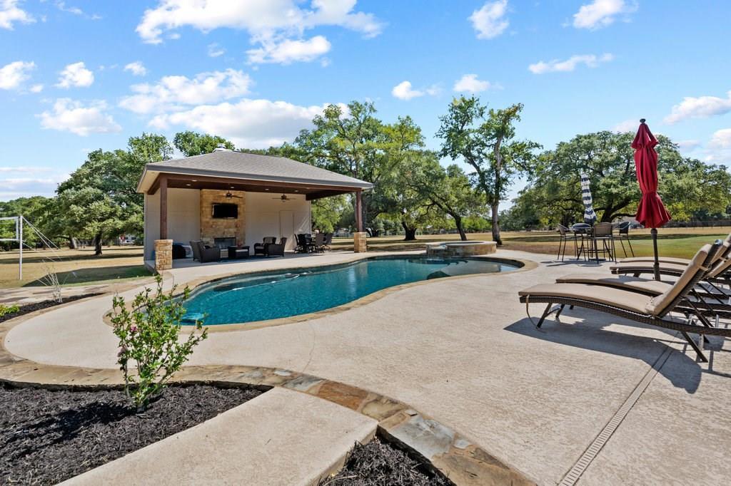 Luxury Home in Georgetown, Acreage Luxury Home in Georgetown   3115 Cavu  Road Georgetown, TX 78628 37