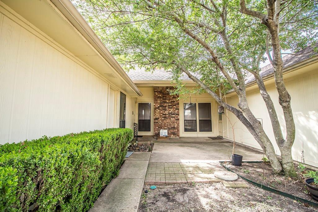 Great Location in Carrollton  | 1040 Magnolia Drive Carrollton, Texas 75007 28