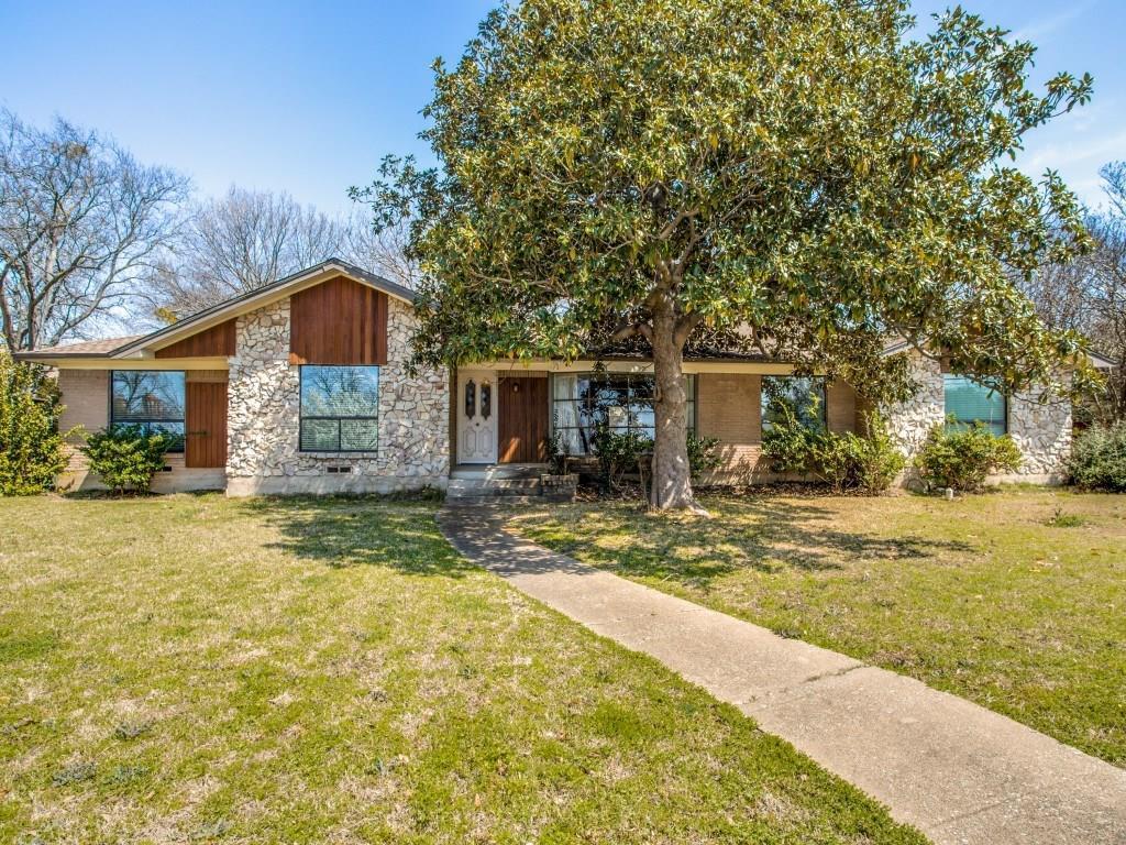 Leased | 7027 Alpha Road Dallas, Texas 75240 1