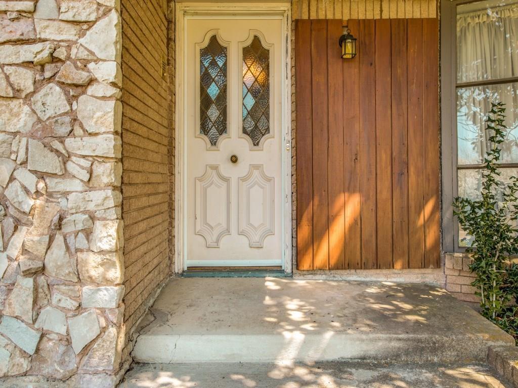 Leased | 7027 Alpha Road Dallas, Texas 75240 2