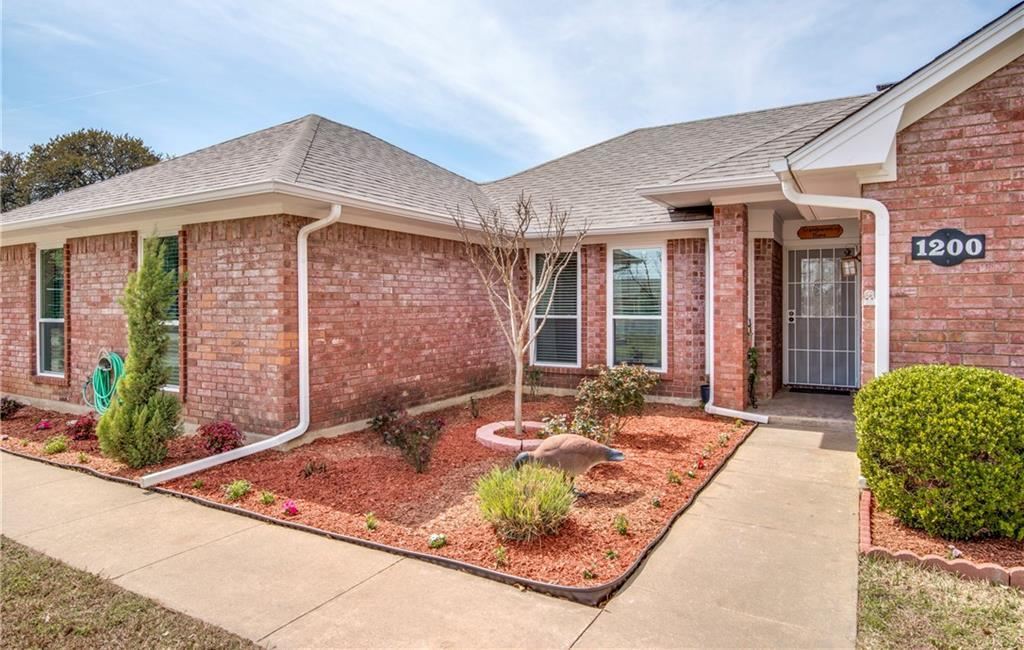 Sold Property | 1200 N Saint James Circle Pilot Point, Texas 76258 1