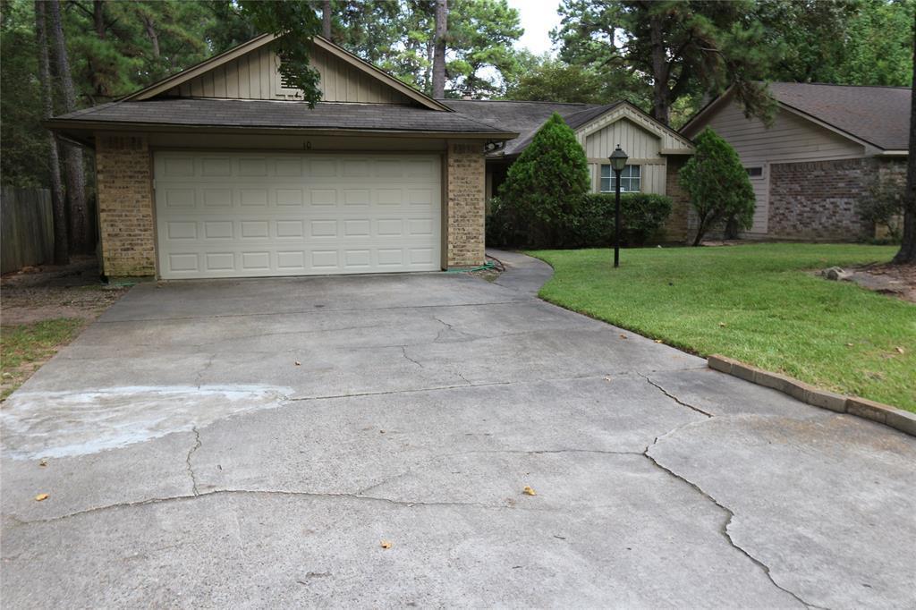 Pending | 10 Brentwood Oaks  Court Spring, TX 77381 1