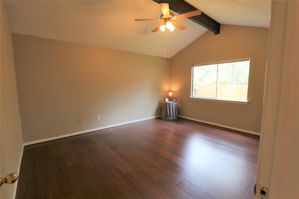 Pending | 10 Brentwood Oaks  Court Spring, TX 77381 10