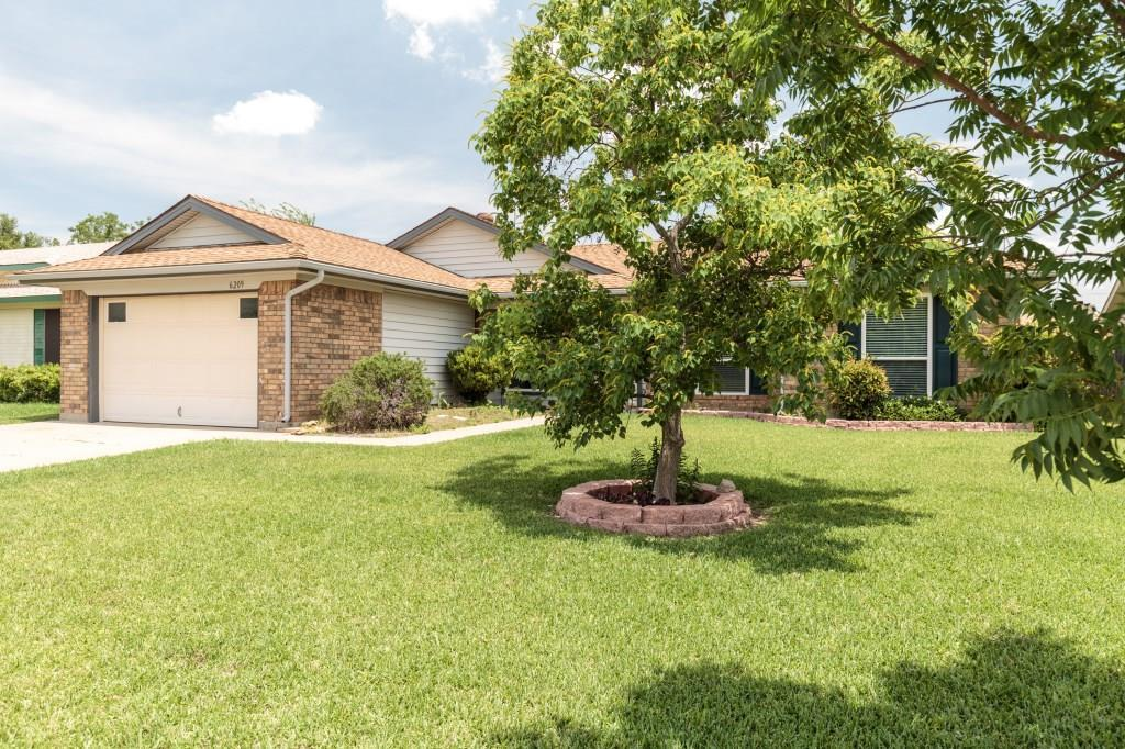 Sold Property | 6209 Valley Forge Court Arlington, Texas 76002 2