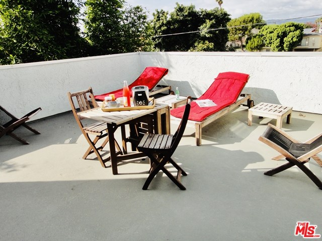 Closed | 12629 Caswell  Avenue #15 Los Angeles, CA 90066 5