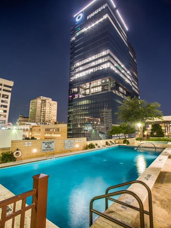 Active | 500 Throckmorton  Street #3007 Fort Worth, TX 76102 24