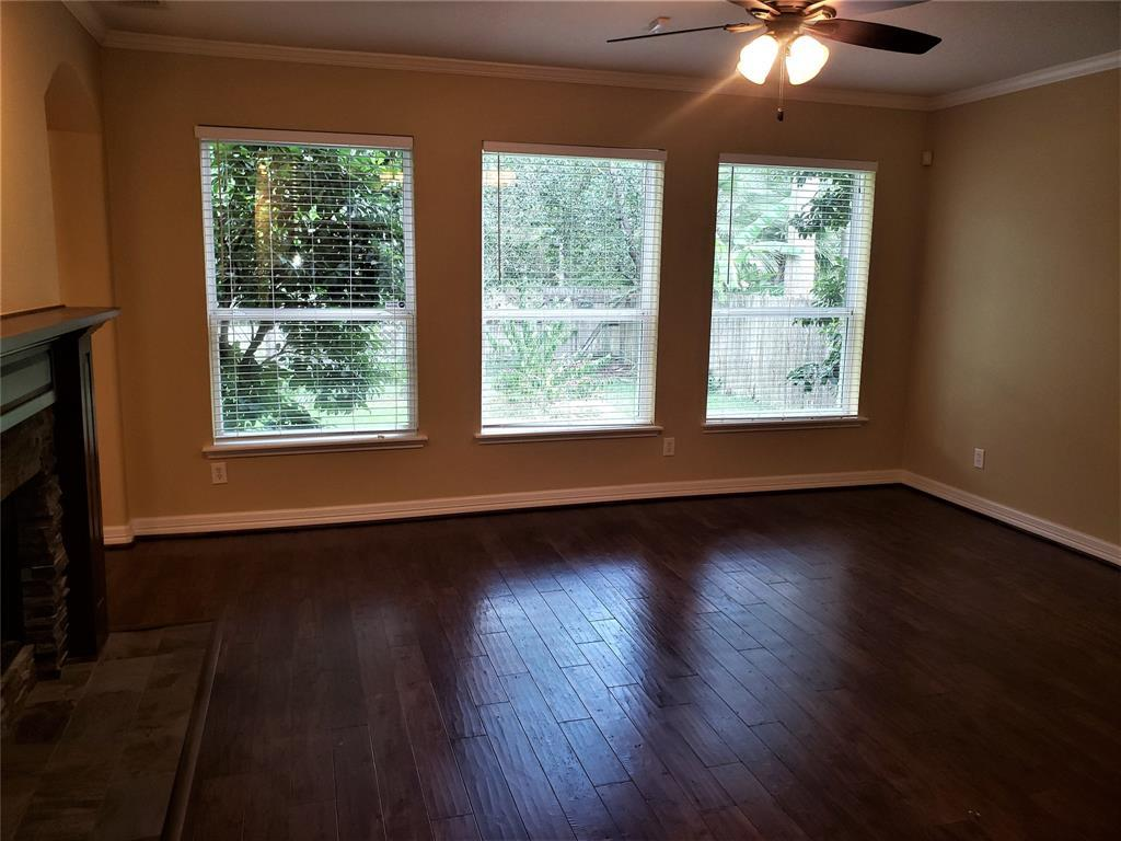 Active | 30 Wind Harp  Place The Woodlands, TX 77382 10