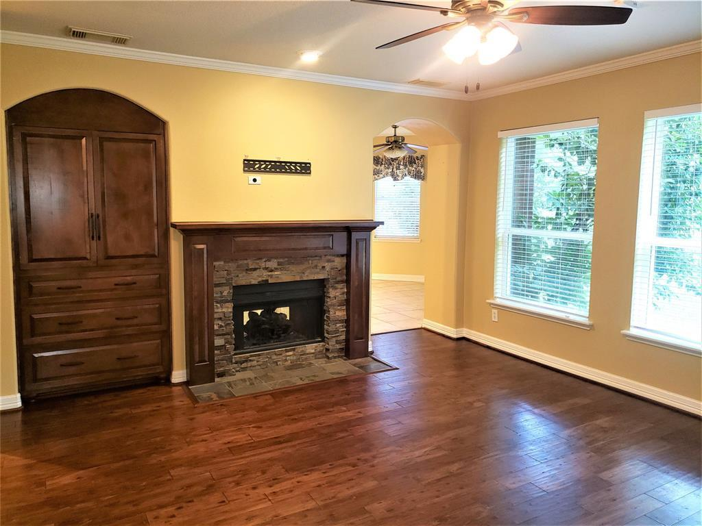 Active | 30 Wind Harp  Place The Woodlands, TX 77382 11
