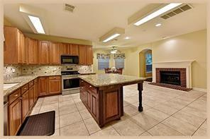 Active | 30 Wind Harp  Place The Woodlands, TX 77382 4