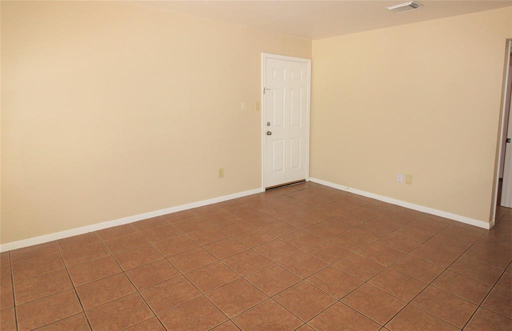 Pending   2626 Holly Hall Street   #312 Houston, TX 77054 1