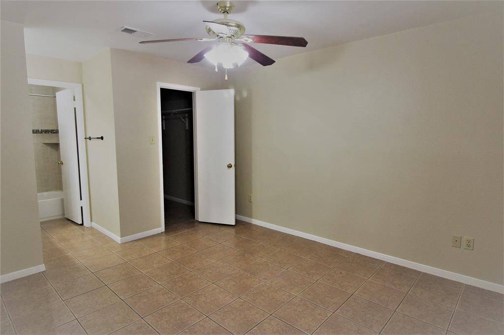 Pending   2626 Holly Hall Street   #312 Houston, TX 77054 12