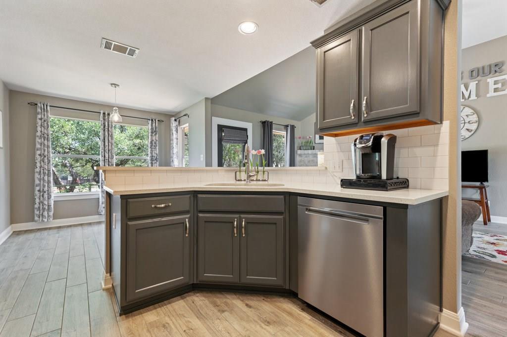 Sold Property | 10261 Twin Lake  Loop Dripping Springs, TX 78620 15