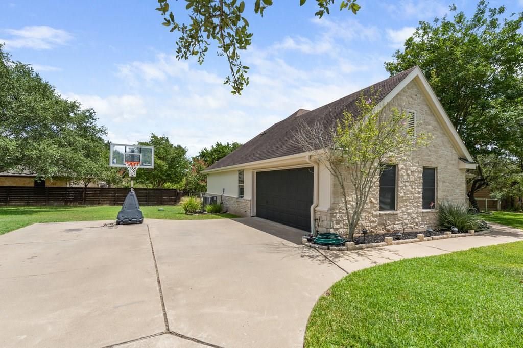 Sold Property | 10261 Twin Lake  Loop Dripping Springs, TX 78620 4