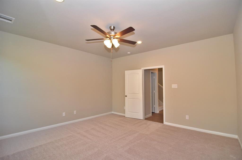 Active | 21025 CRINET SQUARE Kingwood, TX 77339 18