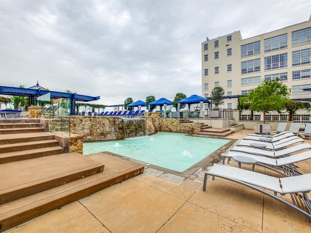 Active | 2600 W 7th Street #1421 Fort Worth, Texas 76107 26
