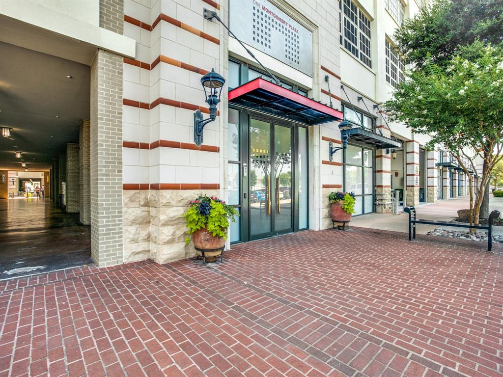 Active | 2600 W 7th Street #1421 Fort Worth, Texas 76107 31