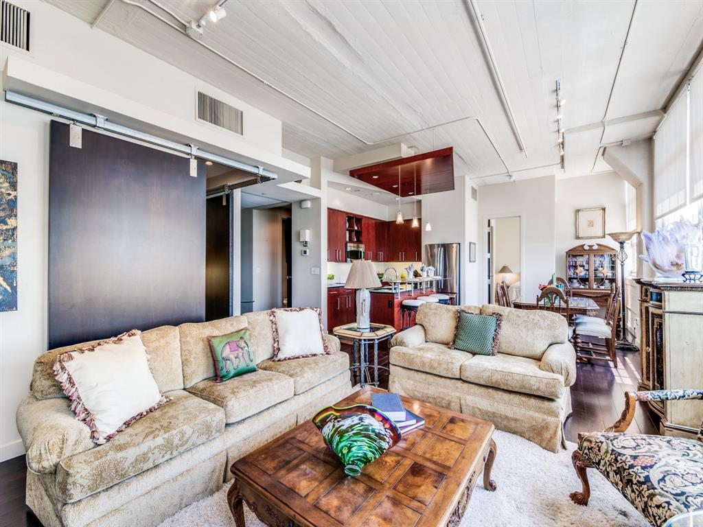 Active | 2600 W 7th Street #1421 Fort Worth, Texas 76107 6