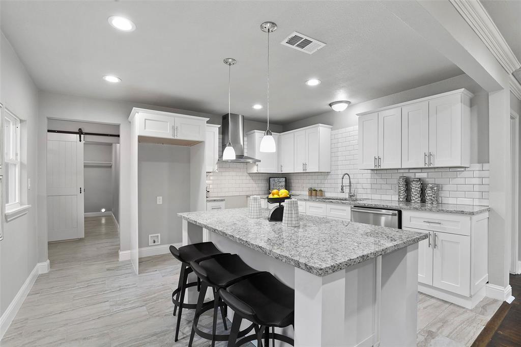 Dallas Real Estate | 814 Buckalew  Street Dallas, TX 75208 8