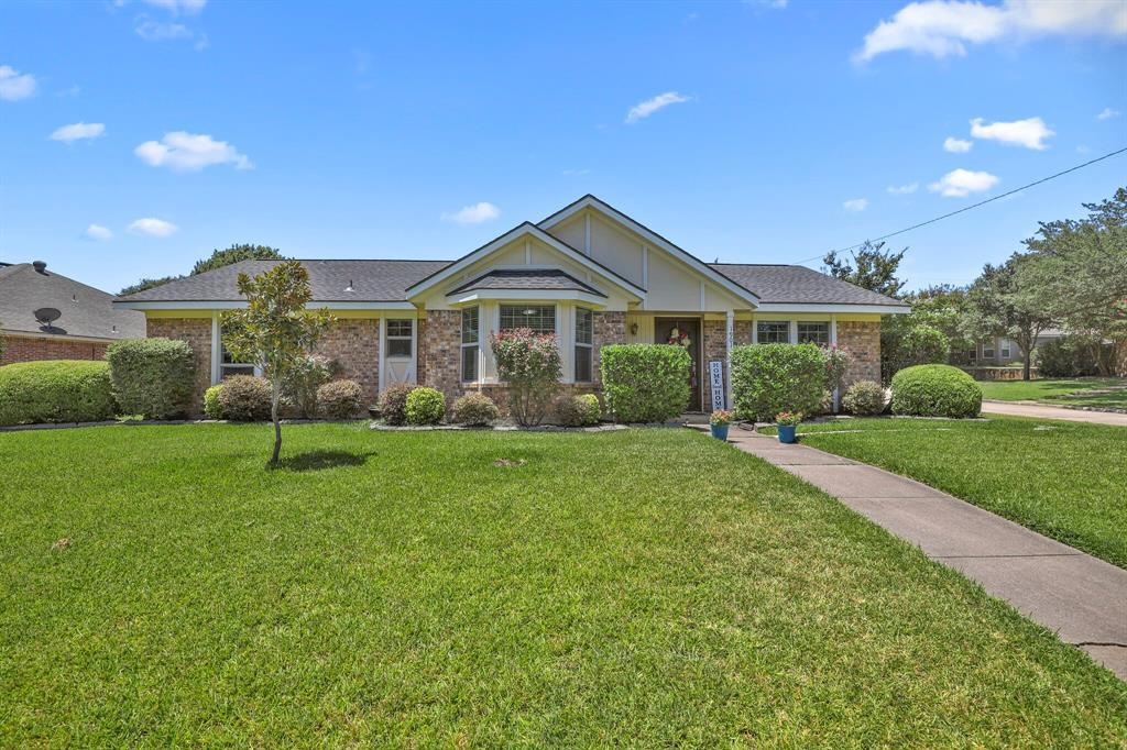 Sold Property | 1901 Wisteria Drive Grand Prairie, Texas 75050 1
