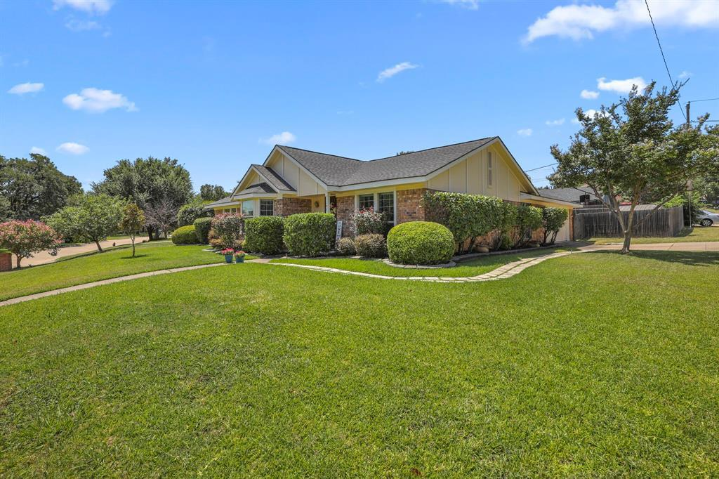 Sold Property | 1901 Wisteria Drive Grand Prairie, Texas 75050 2