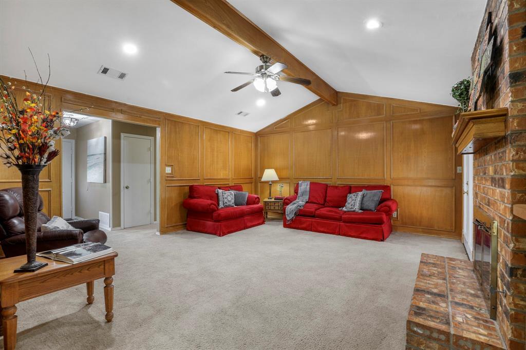 Sold Property | 1901 Wisteria Drive Grand Prairie, Texas 75050 11