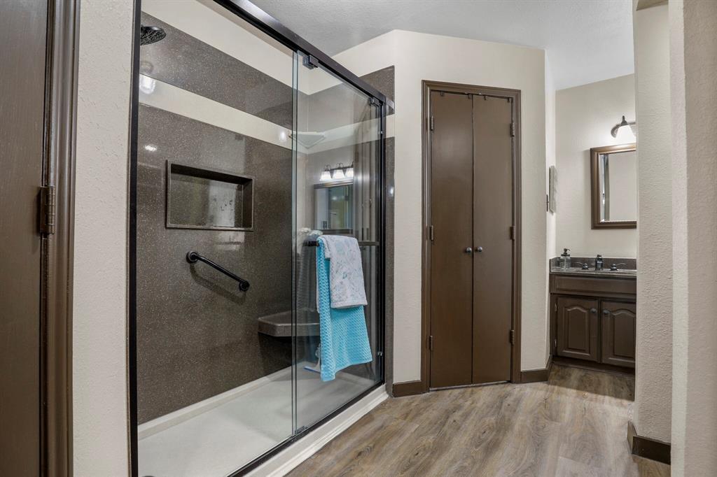 Sold Property | 1901 Wisteria Drive Grand Prairie, Texas 75050 12