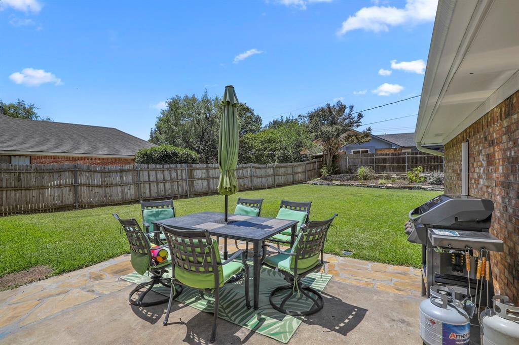 Sold Property | 1901 Wisteria Drive Grand Prairie, Texas 75050 28