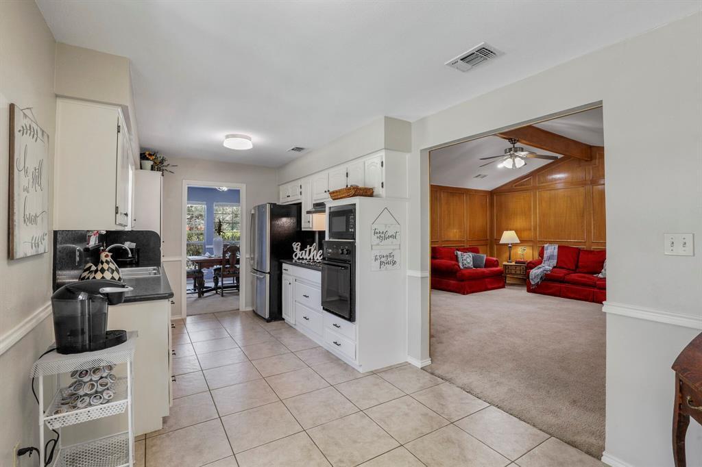 Sold Property | 1901 Wisteria Drive Grand Prairie, Texas 75050 6