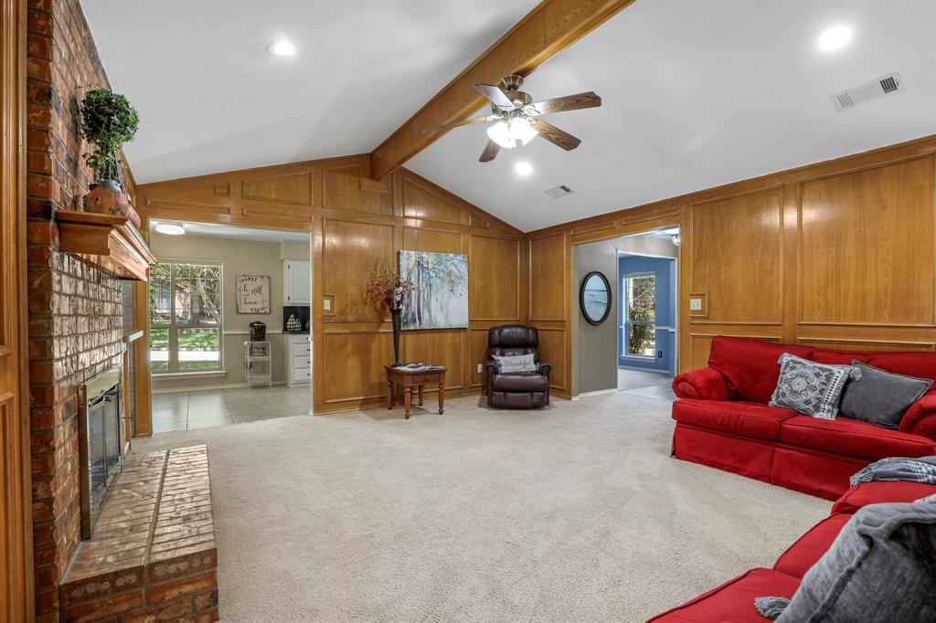 Sold Property | 1901 Wisteria Drive Grand Prairie, Texas 75050 9