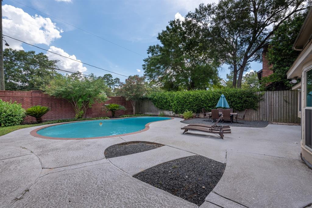 Pending Continue to Show | 13711 Taylorcrest  Road Houston, TX 77079 31