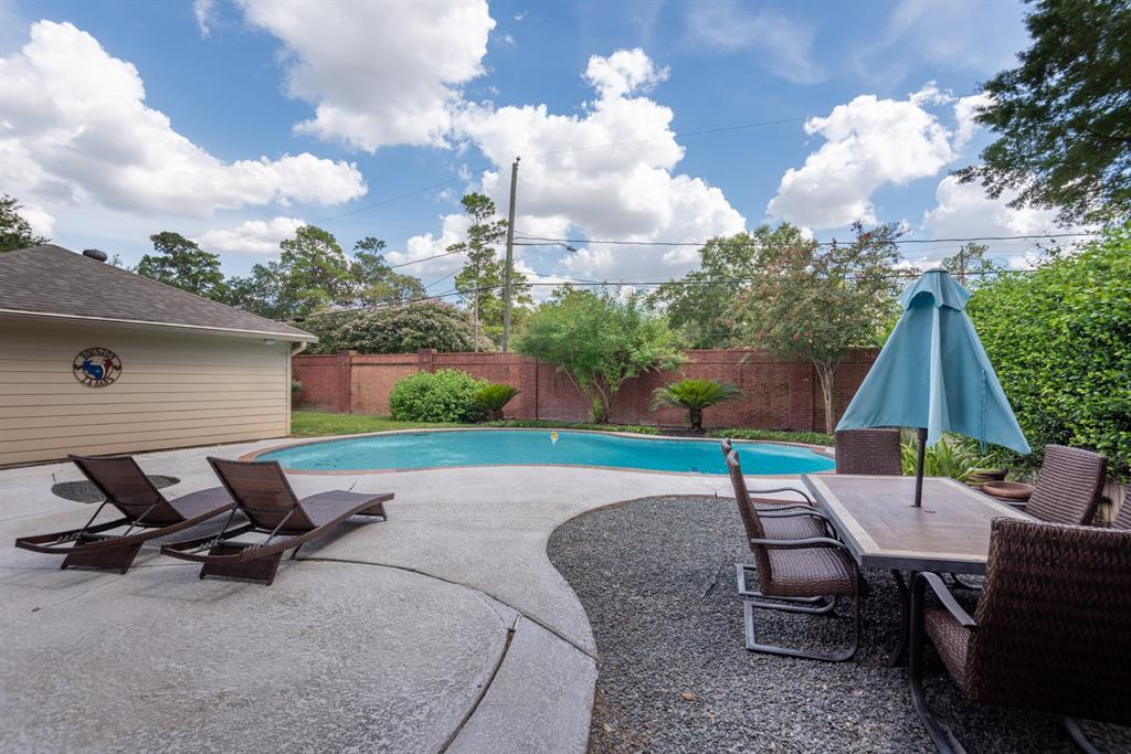 Pending Continue to Show | 13711 Taylorcrest  Road Houston, TX 77079 33