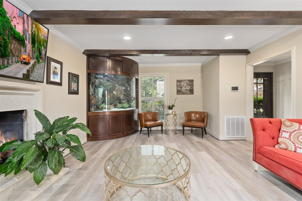 Pending Continue to Show | 13711 Taylorcrest  Road Houston, TX 77079 9