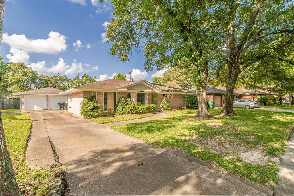 Active | 5338 Saxon  Drive Houston, TX 77092 22