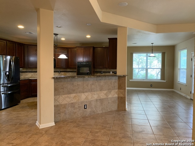 Active/Application Received | 23542 SEVEN WINDS San Antonio, TX 78258 10