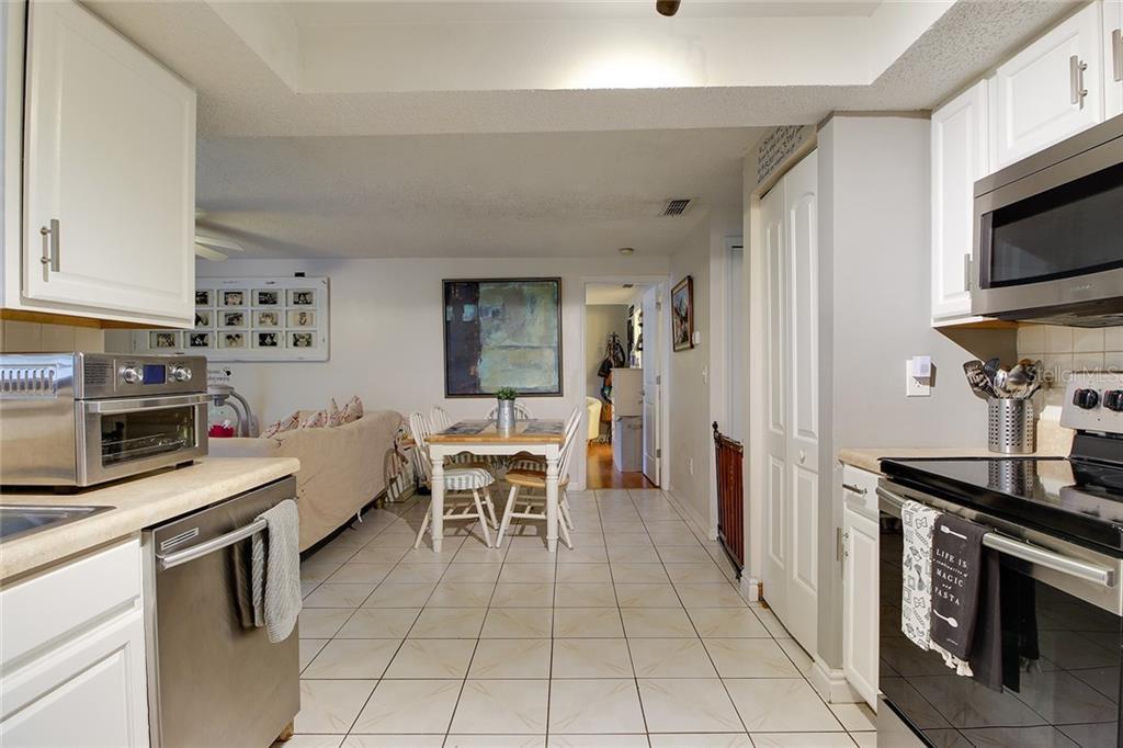 Sold Property | 1414 RUSTLING OAKS DRIVE BRANDON, FL 33510 21